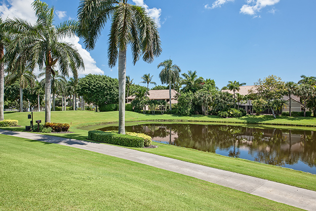 St Andrews Country Club - Boca Raton Florida - Michael Bloom - real estate agent - broker associate - homes for sale - Ayrshire Lane