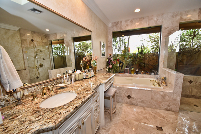Northway Circle - Boca Raton, FL - St. Andrews Country Club - Homes for Sale - Real Estate - Michael Bloom - Beth Bloom - Boca Executive Realty