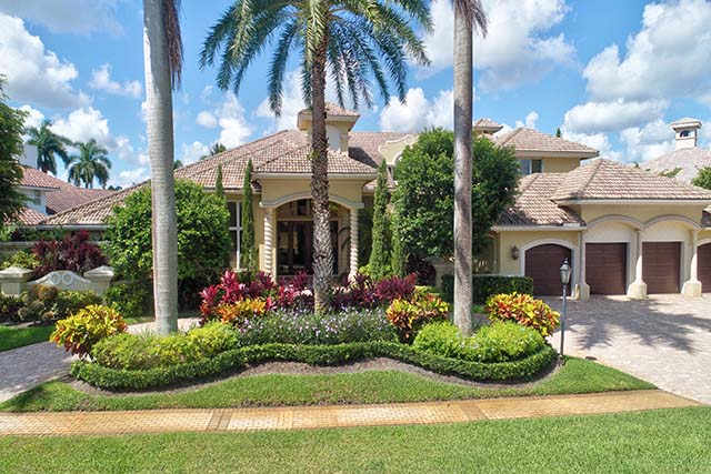Whitehaven Drive - St. Andrews Country Club - Boca Raton - Florida - Homes for Sale - MICHAEL BLOOM - BETH BLOOM - MELANIE BLOOM HAYM Broker Associates - Realtors - Real Estate